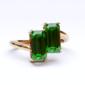緑色透明石のリング