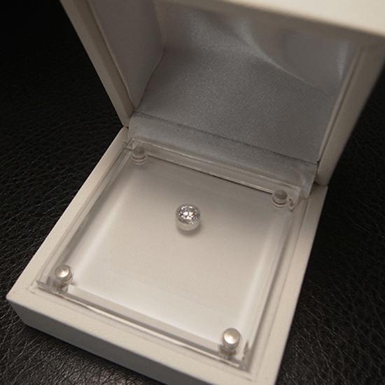 サプライズプロポーズのダイヤモンド